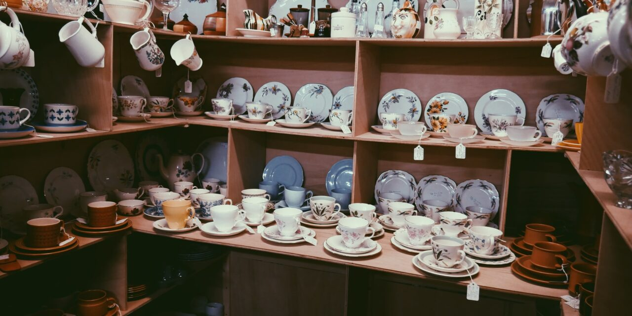4 Unique Kentucky Antique Shops On The Great River Road