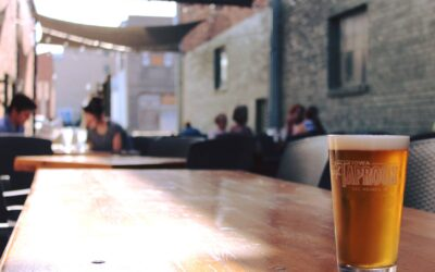 5 Best Rooftops and Patios To Unwind On Near The Des Moines River!