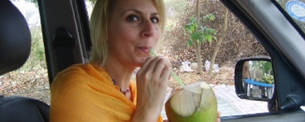 Toot toot! The ABCs of Eating Tender Indian COCOnuts on the Street