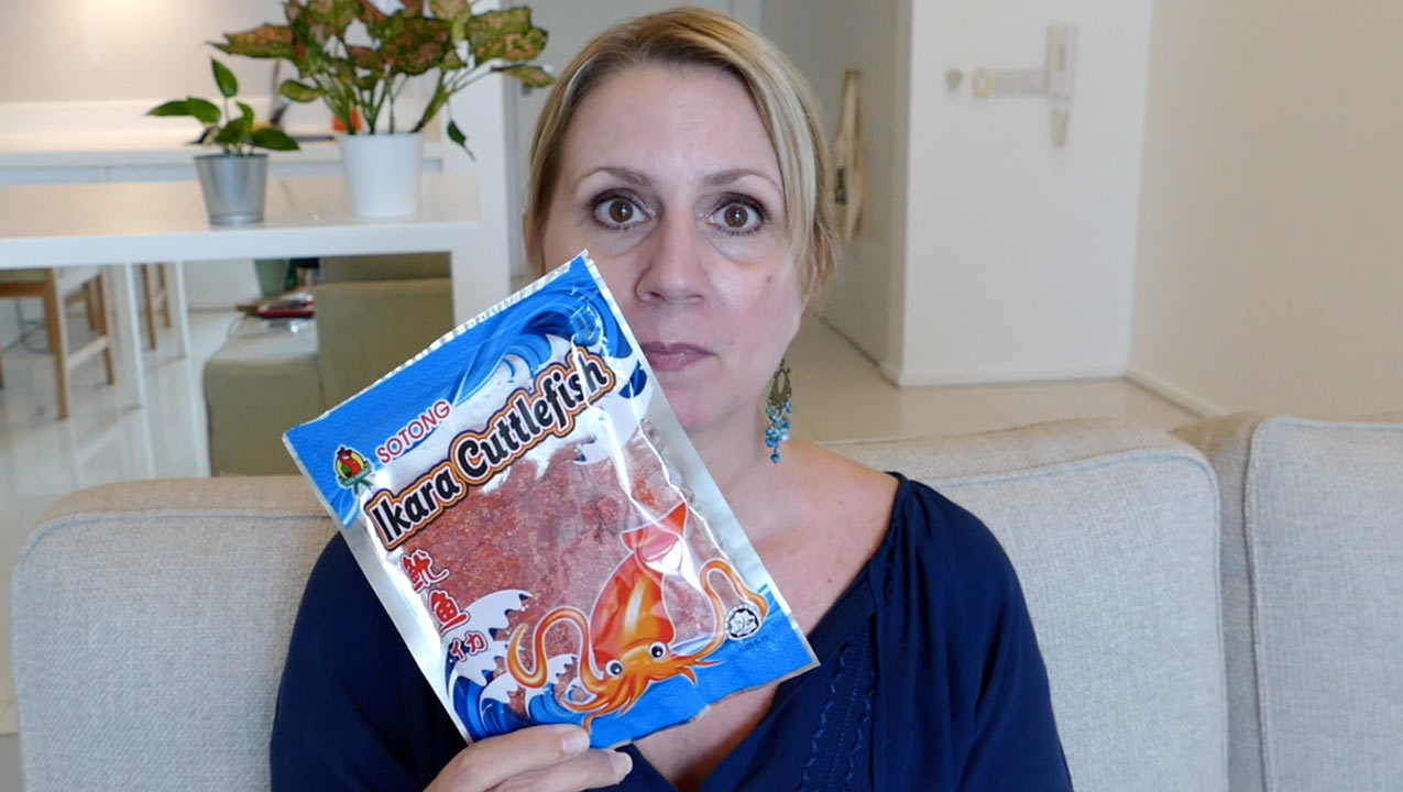 Vlog | Trying 7 Strange Malaysian Snack Foods
