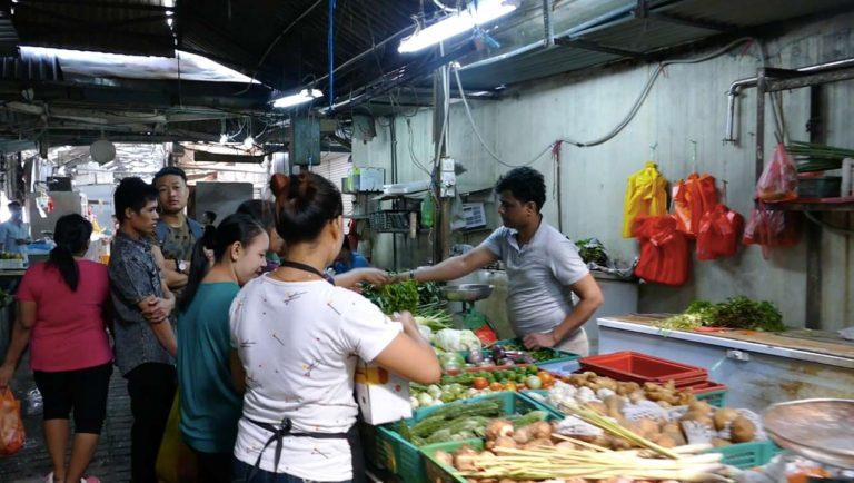 Petaling Street Wet Market   Penjaja Gallery Jalan Tun H.S. Lee (Madras Lane) 李霖泰菜市场