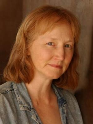 Lisa Dalton Plain Headshot