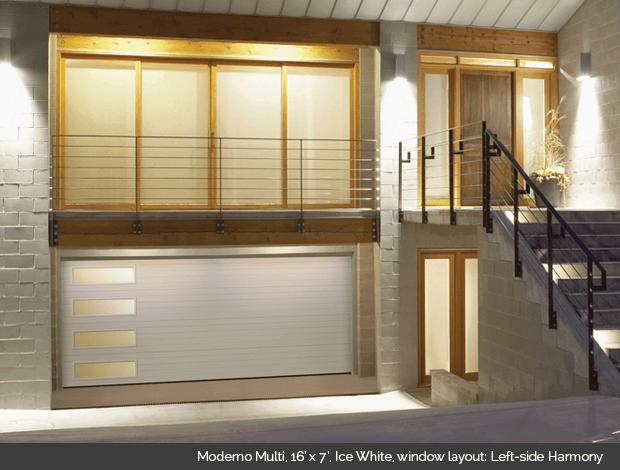 Moderno Multi Garaga garage door in Ice White with Left Side Harmony windows