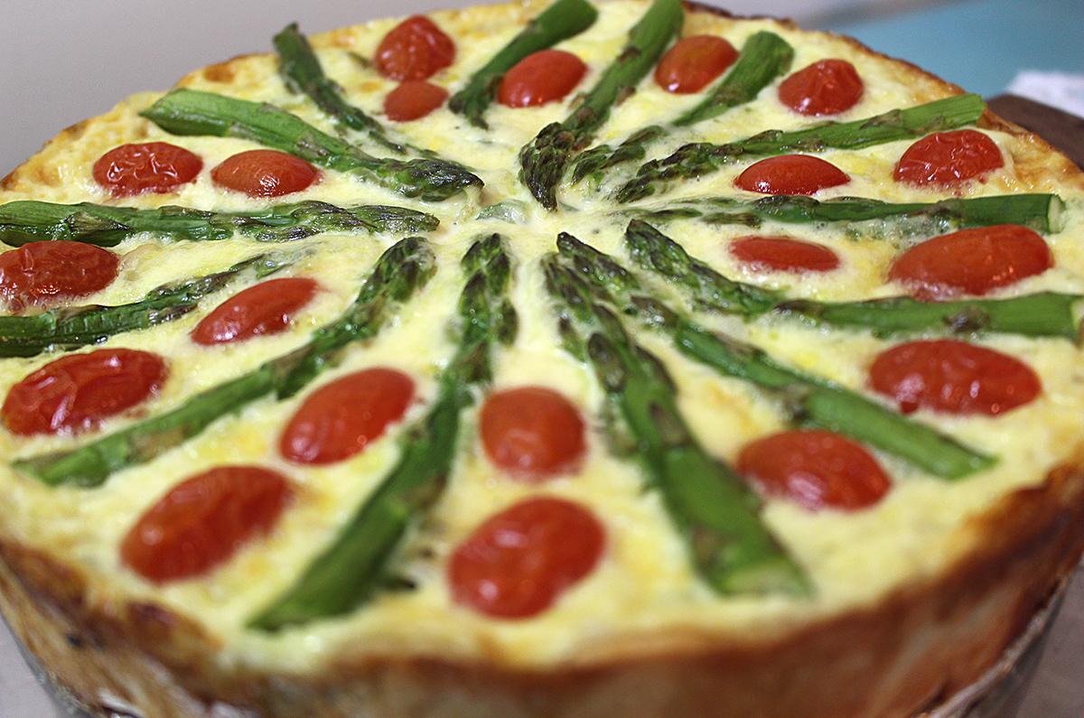 Como fazer Quiche de brie, tomate cereja e aspargo verde