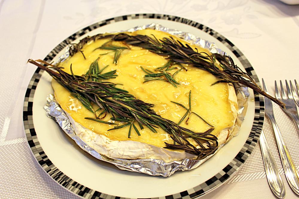 Como fazer queijo brie assado no forno