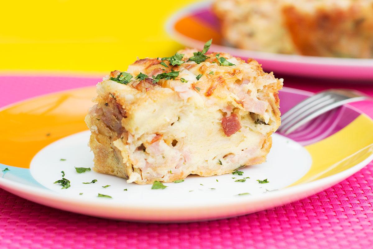 Torta fácil de queijo, presunto e bacon