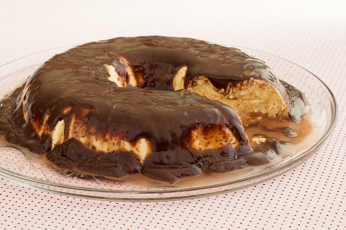 Pudim de Leite Ninho de Micro-ondas com Ganache de Nutella