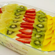 Sobremesa Gelada com Biscoito e Salada de Frutas