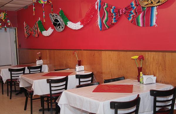 La Pinatas Restaurant 2