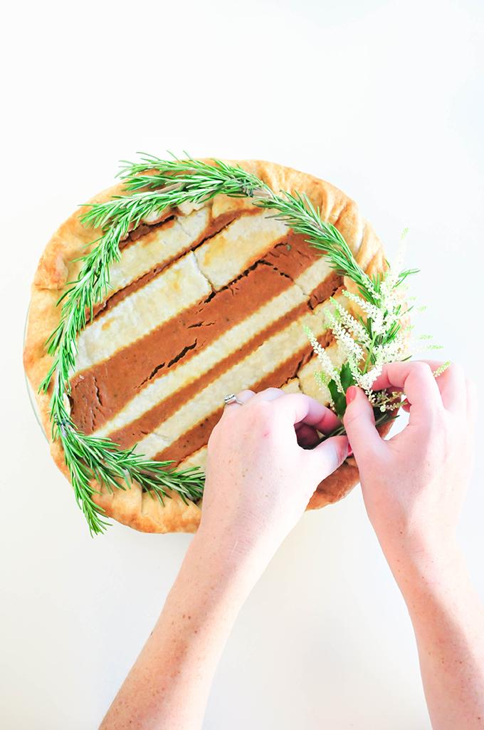 DIY Holiday Pie Crusts by @theproperblog