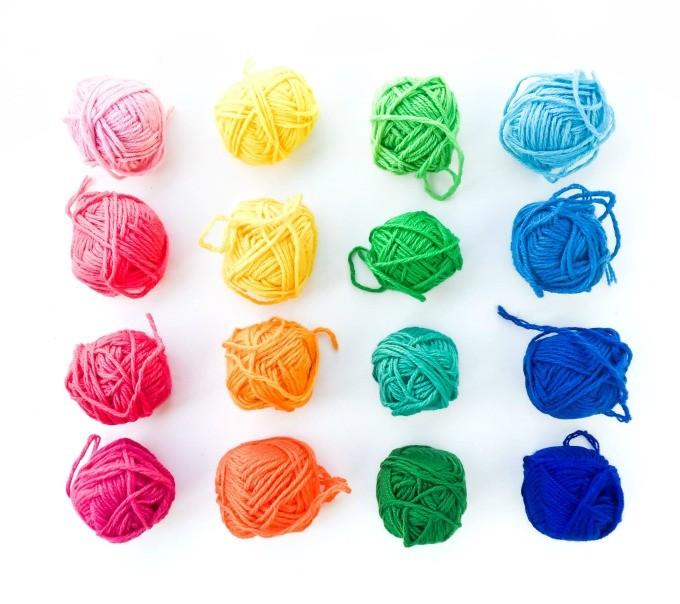 the weekenders | rainbow yarn via @theproperblog