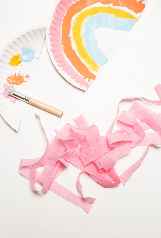 tissue streamers pink