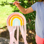 Kid Crafts \\ DIY Paper Plate Rainbow String Puppet