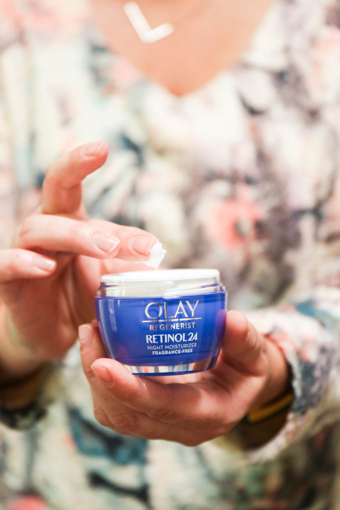 closeup shot of Olay Retinol24