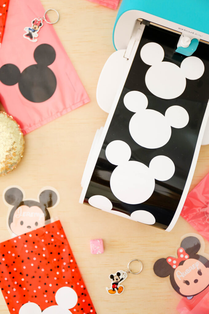 cricut joy making disney mickey stickers