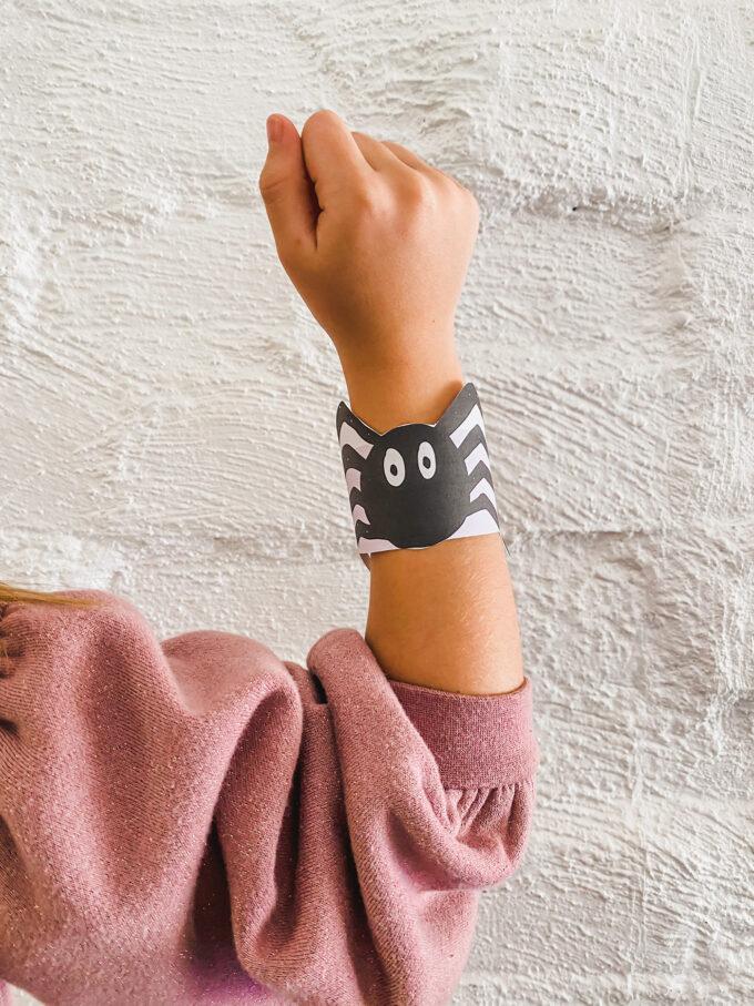 printable spider cuffs on kid wrist