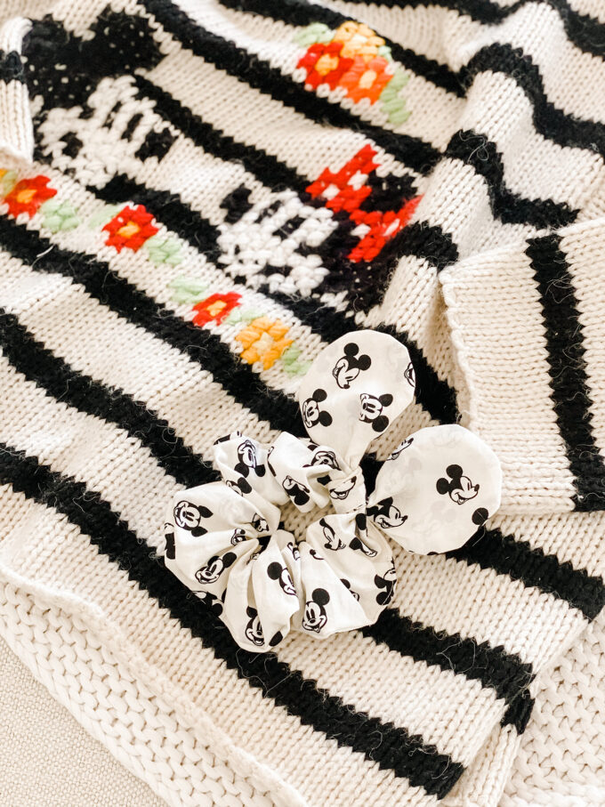 DIY Mickey Mouse Scrunchie