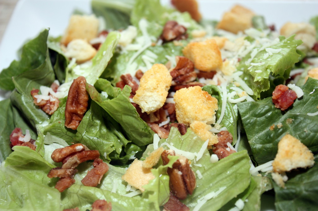 Salad with walnuts, croutons, and cheese