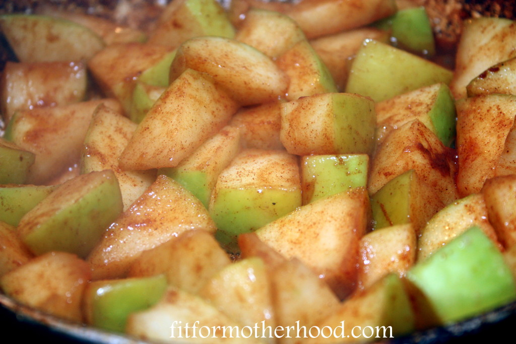 apple pie bites - apples