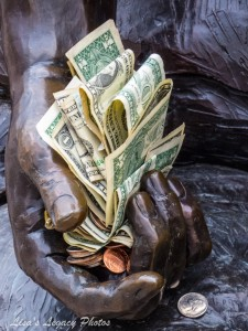 The_Money_Hand-3910