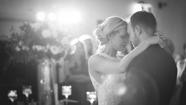 wedding first dance at Whistle Bear Golf Club in Cambridge