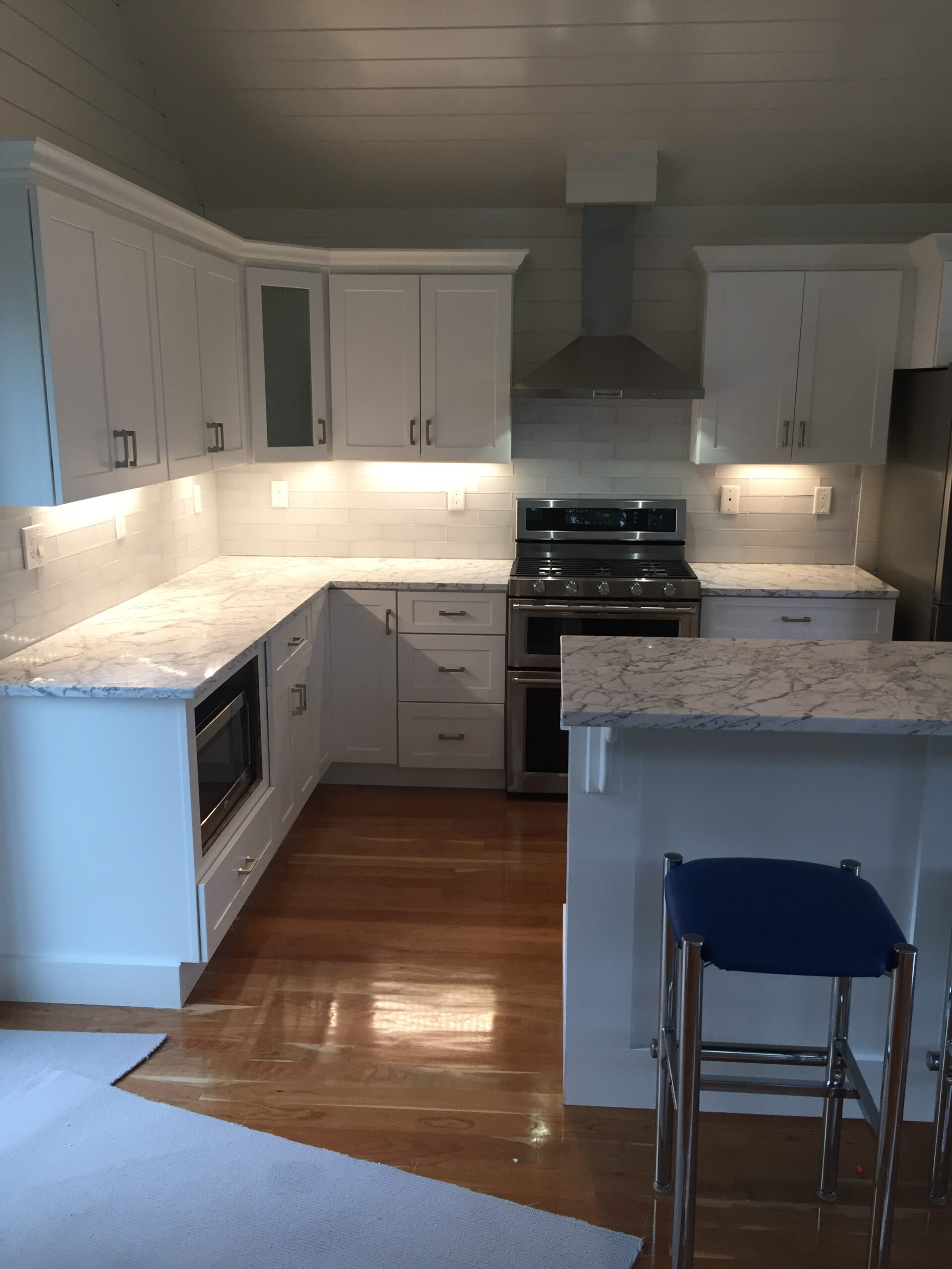 Builders of Kitchen Cabinets