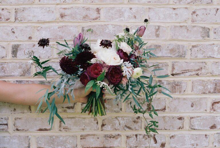 5 tips to creating custom wedding invites