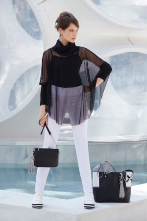 Joseph Ribkoff purses - Black with white jeans