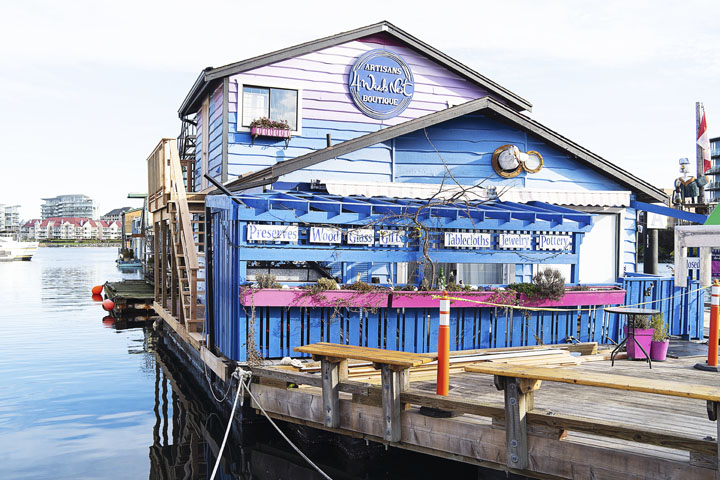 See Colourful Fisherman's Wharf