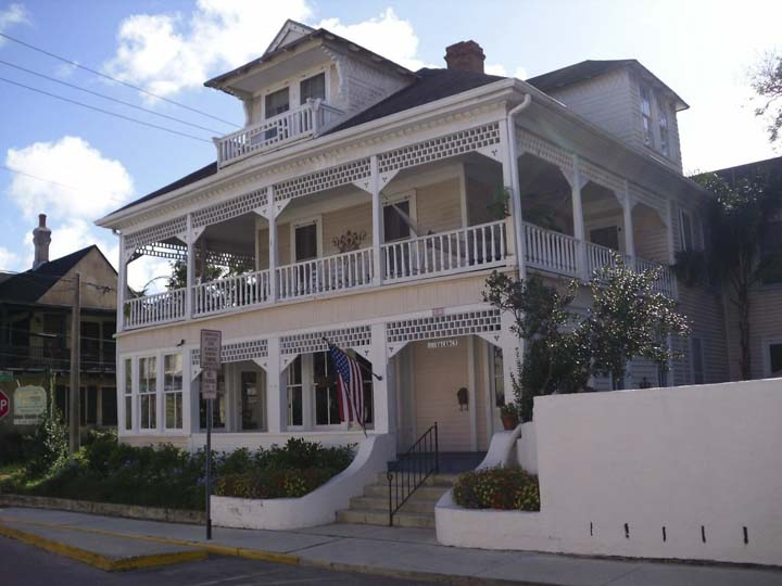 Things to do in St. Augustine Florida in 2020: Stay in a charming historic bed breakfast - The Kenwood Inn