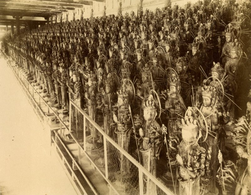 1001 lifesize Kannon statues