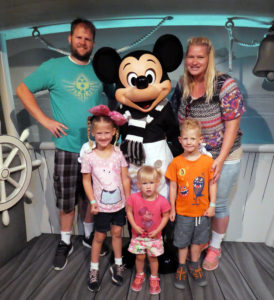 Tokyo Disneyland, Tokyo Disney Sea, Characters, Traveling with family, Family Travel, Mickey mouse