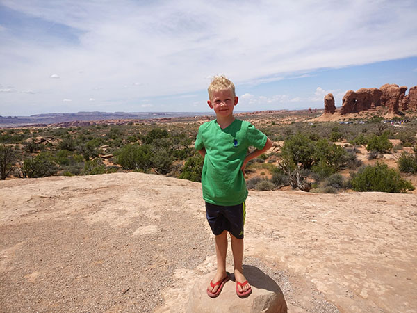 itinerary for Arches National Park, Arches National Park, Utah, Delicate Arch, Diapersonaplane, Diapers On A Plane, Traveling with Kids, Family Travel,