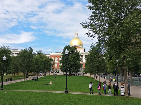 Massachusetts New State House, Massachusetts State House, Beacon Hill, Back Bay, Boston Shoreline, Freedom Trail, Boston, Freedom Trail with Kids, Massachusetts, History of Boston, diapersonaplane, Diapers on a plane, creating family memories, family travel, traveling with kids