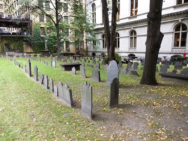 King's Chapel, King's Chapel and Burying Ground, Boston, Massachusetts, Grave Site, Grave markers, cemetery, Revolution, Sons of Liberty, diapersonaplane, diapers on a plane, creating family memories, family travel, traveling with kids