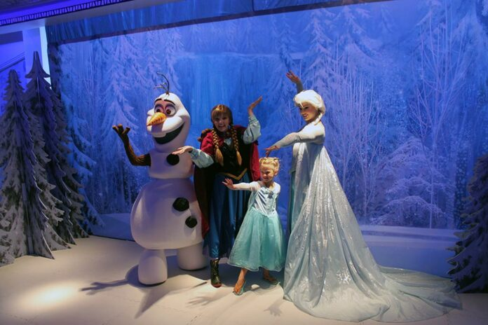 Freezing the Night Away with Elsa and Anna, Frozen Night, Deck Party, Disney Cruise Ships, Disney Magic, Arendale, Horrible Experience Disney Cruise, Disney Cruise Regrets, diapersonaplane, Diapers on a plane, creating family memories, family travel, traveling with kids