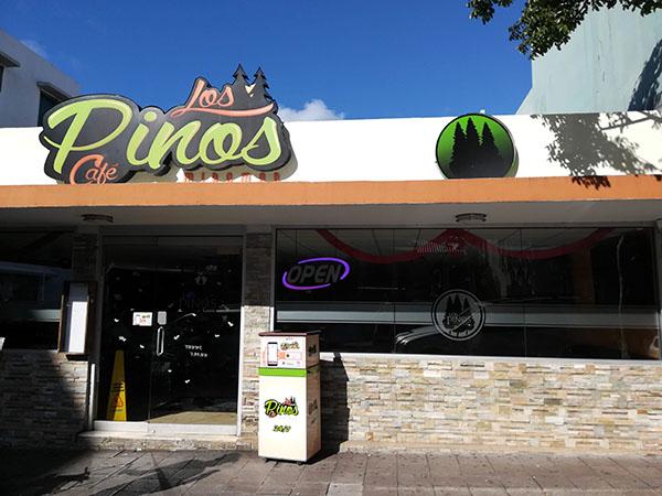 San Juan Puerto Rico, Los Pinos Cafe, Puerto Rican Food, Restaurants in San Juan, traveling with kids, family travel