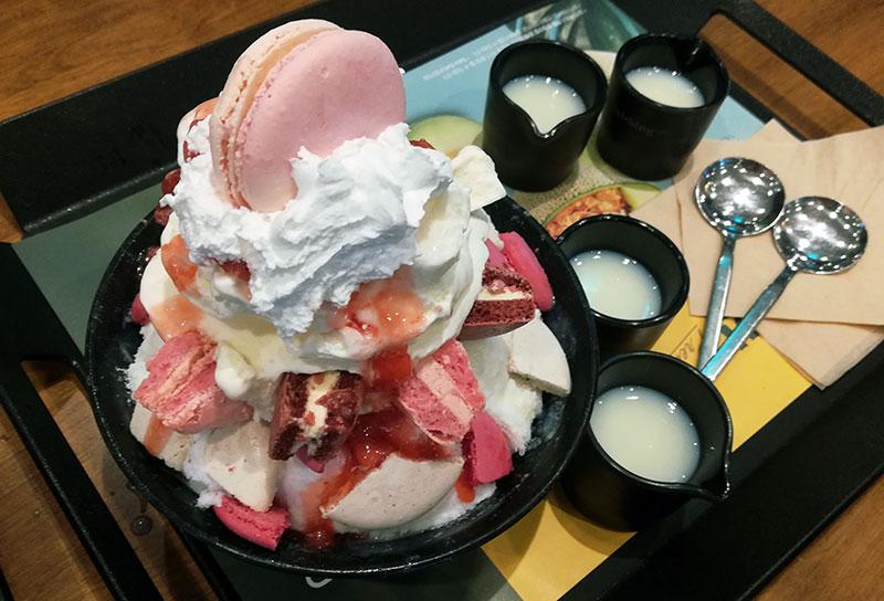 Macaron Cookie Bingsu