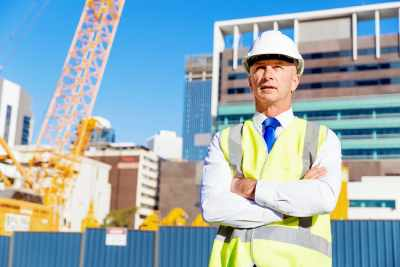 engineer-builder-at-construction-site-PK5KQLB (1)