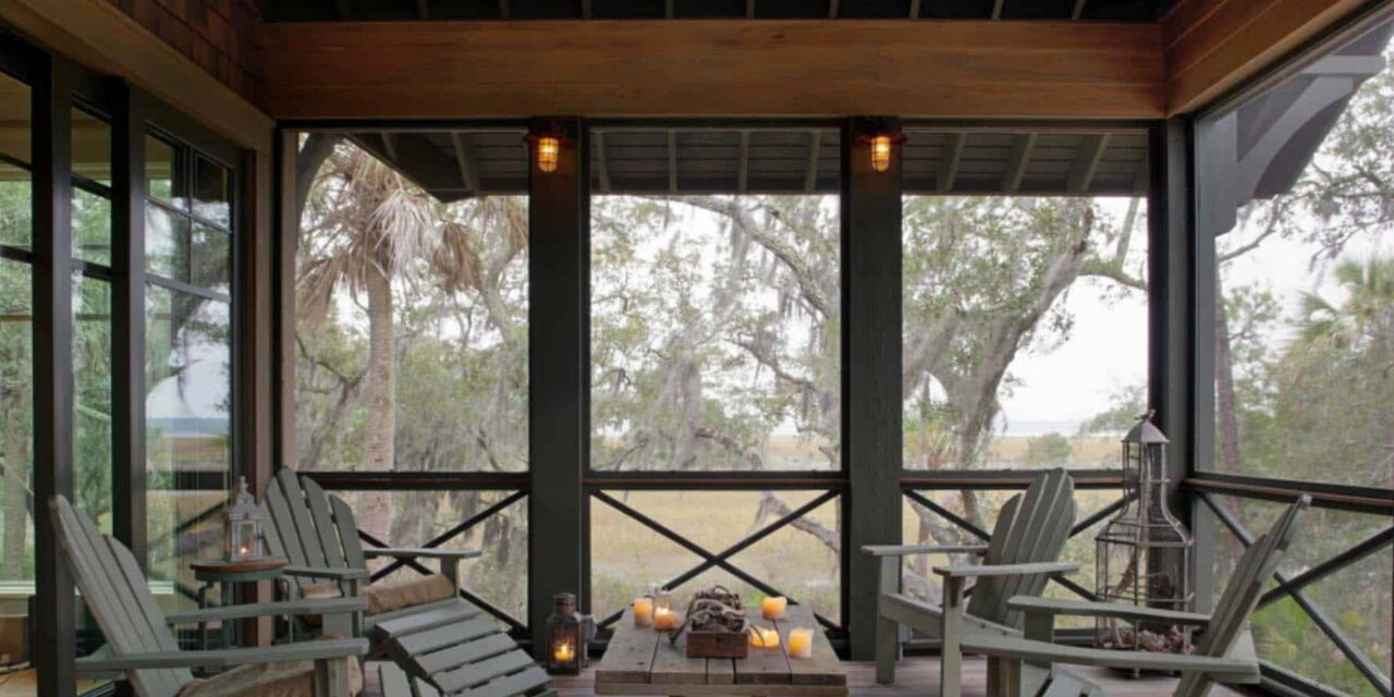 Screened-Porch-Design-Ideas-10-1-Kindesign