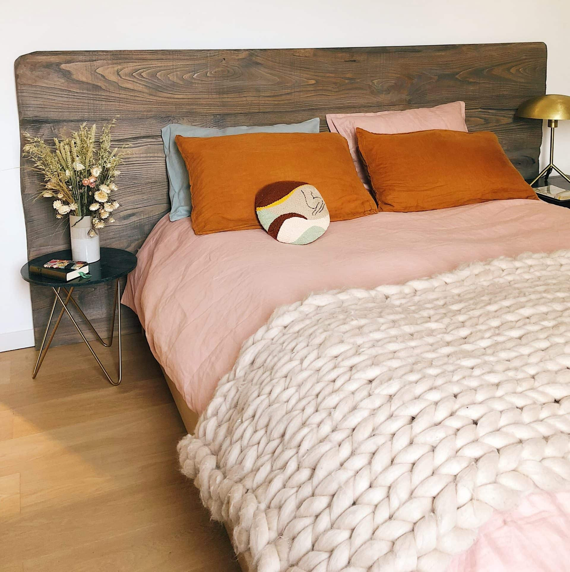 Reclaimed Wood Headboard Inspiration: 7 Headboards That Complete Your Dream Bedroom