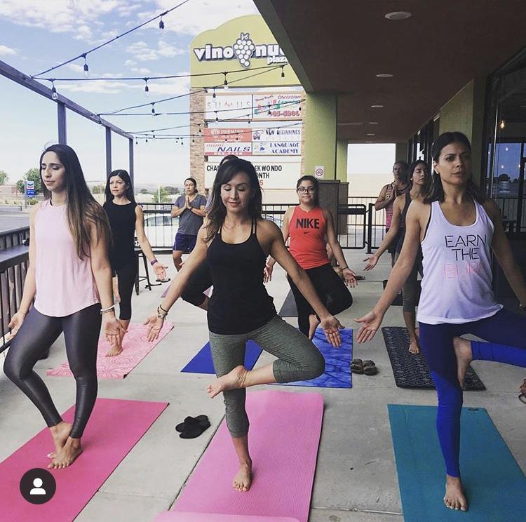 yoga mas y menos coffee el paso