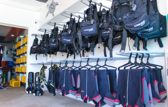 LLV Divers Dive Center