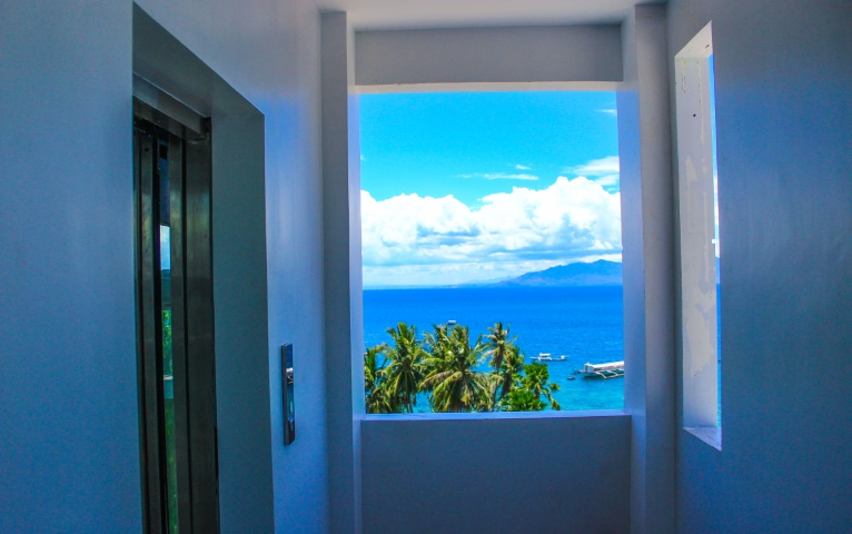 Lalaguna-Villas-Our-New-Panoramic-Elevator-5