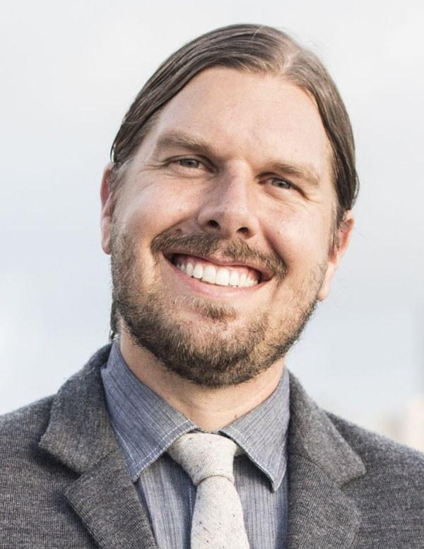 Dr. Noah Moos, DC