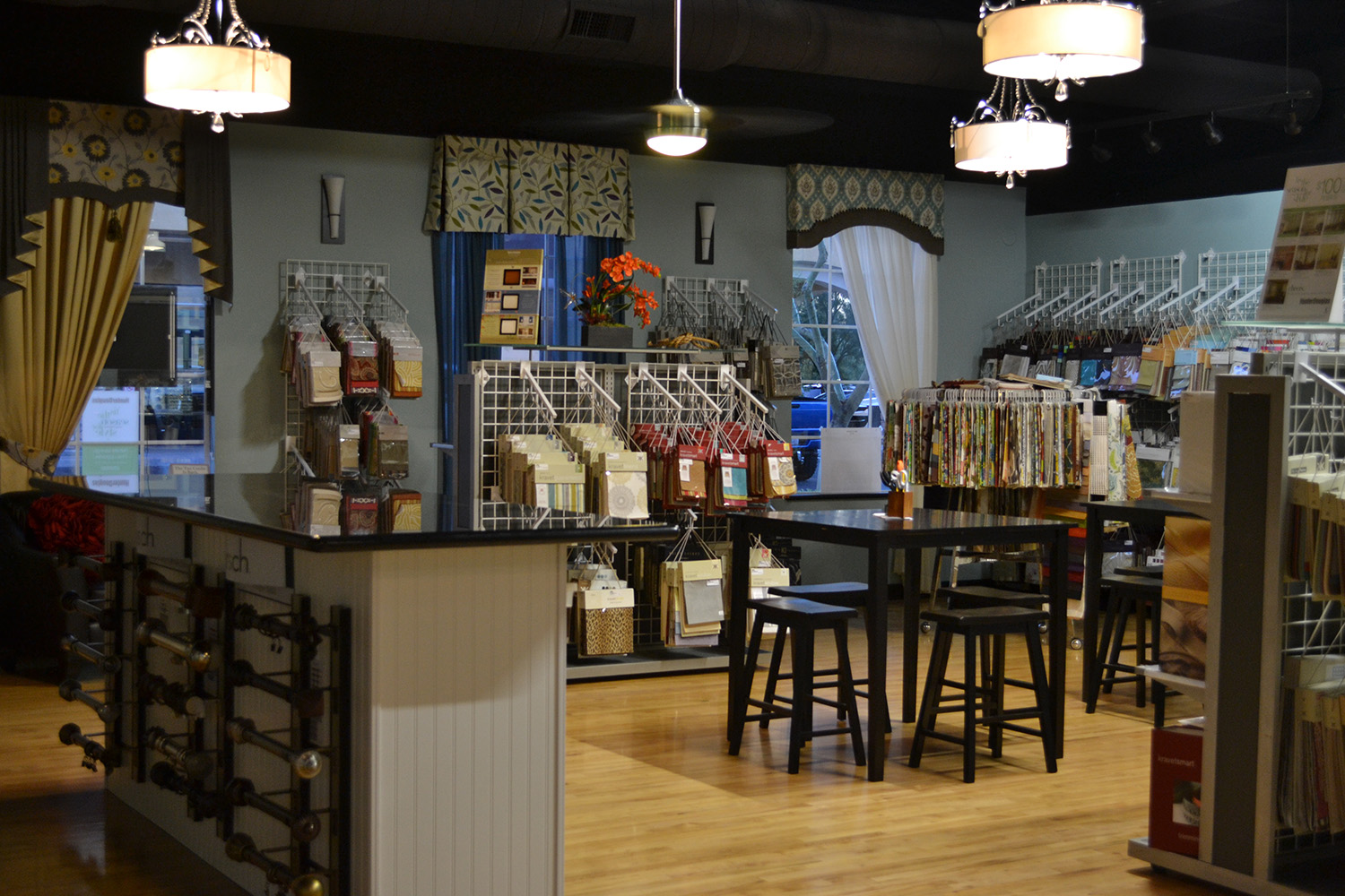 store display with home furnishings