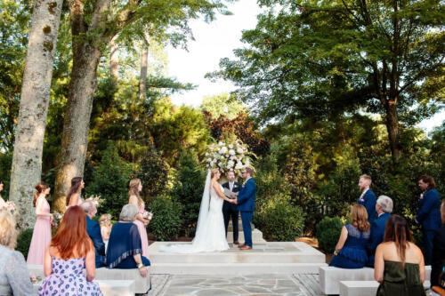 outdoor ceremony wedding pics