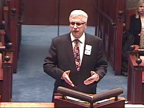 Donald D. Vanarelli argues before the New Jersey Supreme Court.