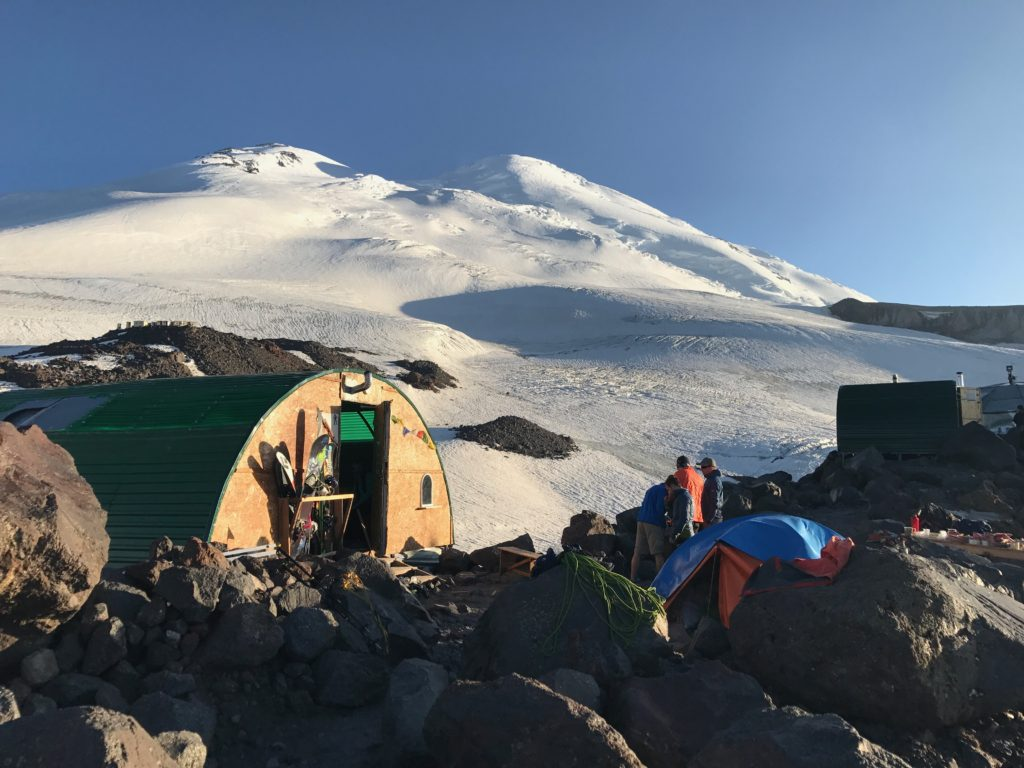 Base Camp Rota norte Monte Elbrus