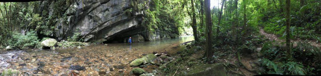 Trilha para Caverna Casa de Pedra